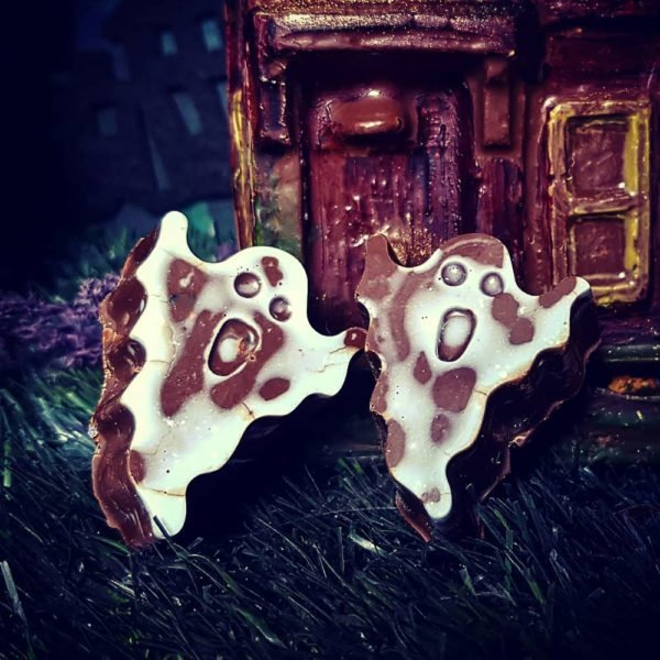 6 Delicious Vegan Chocolate Ghosts