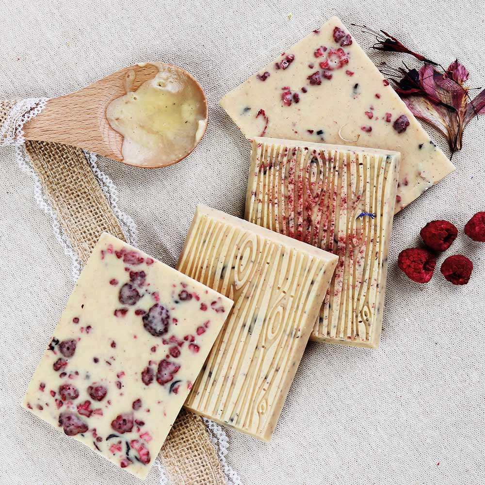 Cheeky Nilla Raspberry vegan White Chocolate